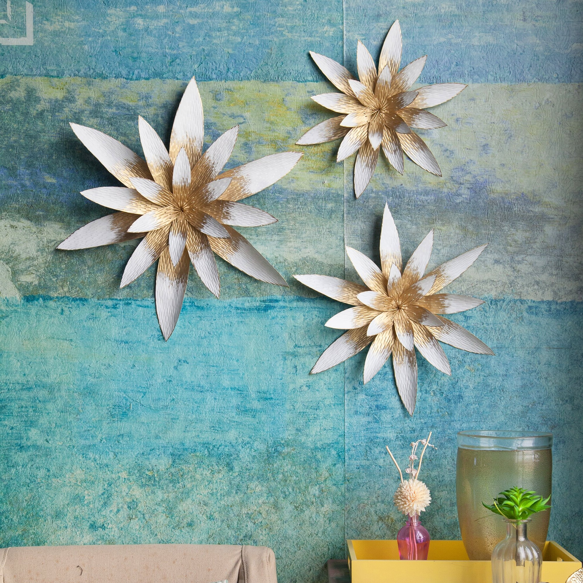 Most Popular 3 Piece Metal Star Flowers Wall Décor Set Throughout 3 Piece Metal Flower Wall Décor Set (View 10 of 20)