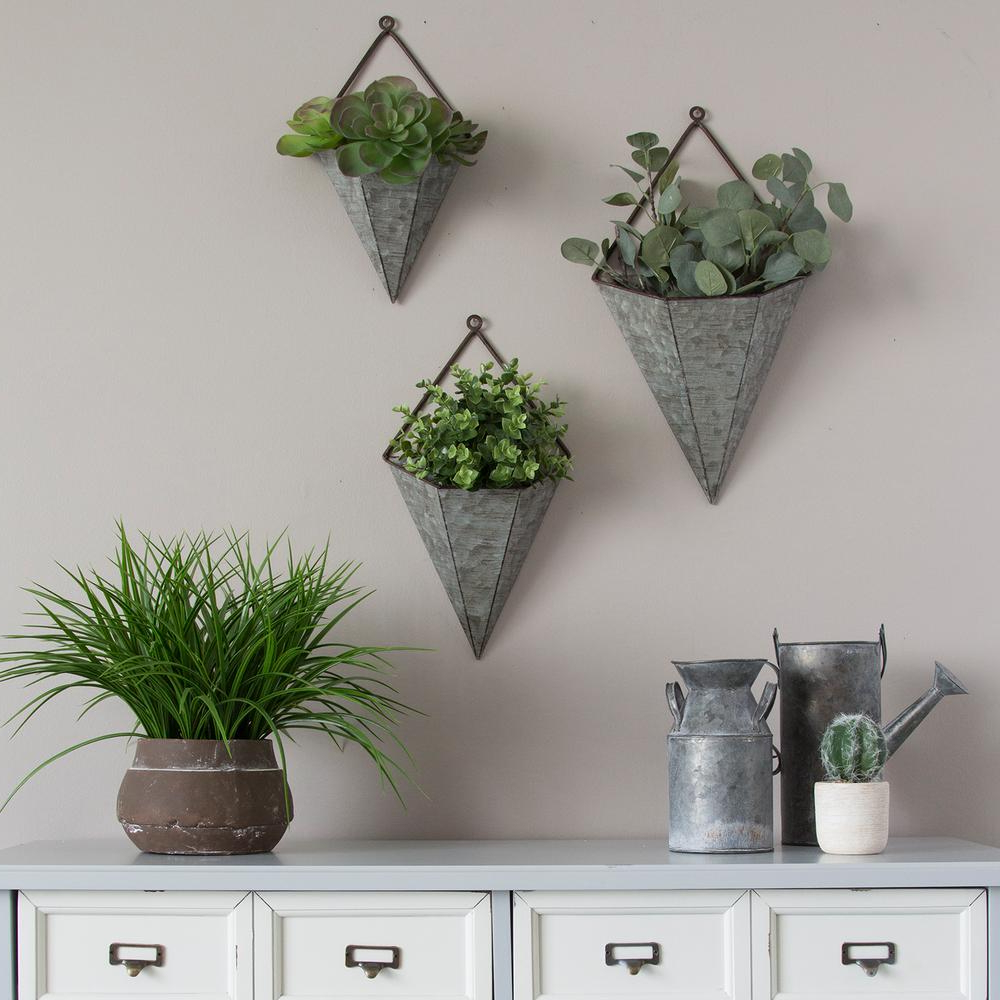 Olive/gray Metal Wall Decor By Brayden Studio Within Favorite Stratton Home Decor 3 Piece Triangular Galvanized Metal Wall (View 16 of 20)