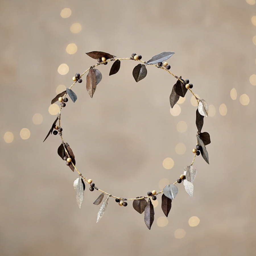 Recent Metal Leaf With Berries Wall Décor Throughout Metal Tula Wreath With Leaves And Berries (View 15 of 20)