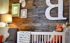 Wall Accents Made from Pallets